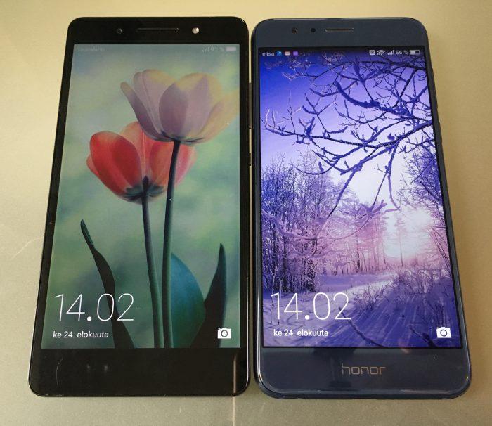 Vasemmalla musta Honor 7, oikealla sininen uusi Honor 8.