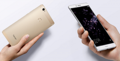 Honor Note 8 on suurikokoinen 6,6 tuuman näytöllään.
