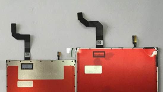 Toisen paneelista valmistaja olisi tietojen mukaan JDI, toisen on tuntematon.