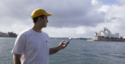 Nick Johnson matkusti muun muassa Sydneyn rannoille nappaamaan Pokémoneja.