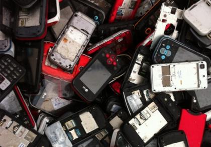 Kierrätetyt älypuhelimet voivat päätyä olympiamitalien raaka-aineiksi.