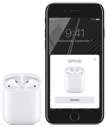 iPhone 7 ja AirPods.
