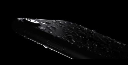 Uusi iPhone on vedenkestävä.