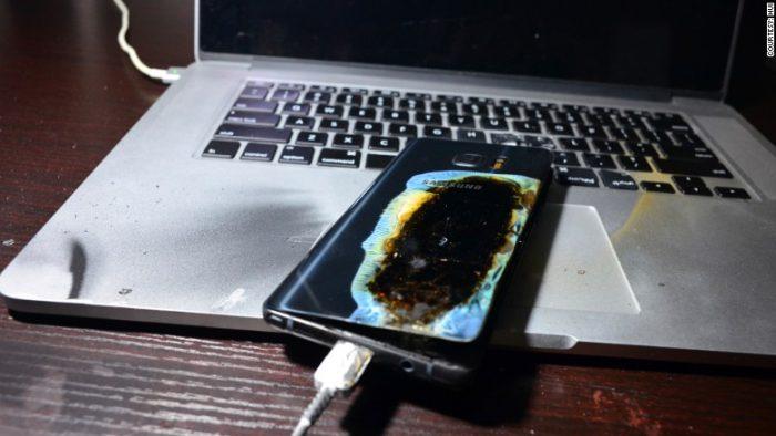 Hui Renjien julkaisema kuva hänen palaneesta Galaxy Note7 -puhelimestaan.