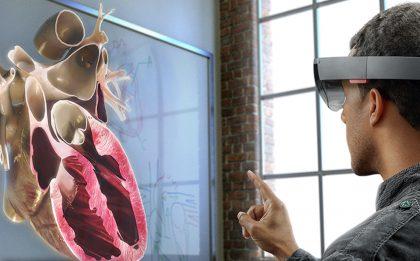 Esimerkiksi terveydenhuollossa HoloLens on jo koekäytössä.