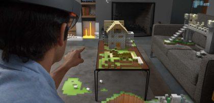 HoloLensin läpi esimerkiksi Minecraft-peli voi tulla osaksi todellista maailmaa - esimerkiksi tässä pöydän ja sohvan päälle koottuna.
