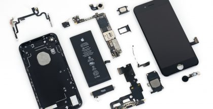 iPhone 7 iFixitin purkamana.