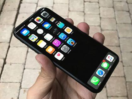 Veniamin Geskinin luoma iPhone 8 -konseptikuva. Ei oikea laite.