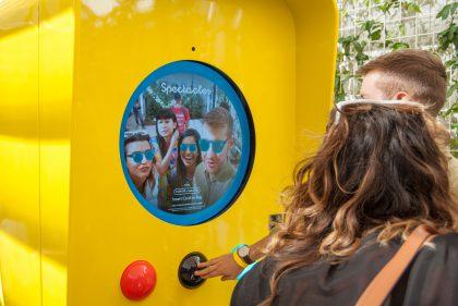 Osa Snapboteista mahdollistaa myös lasien virtuaalisen sovittamisen ennen ostamista.