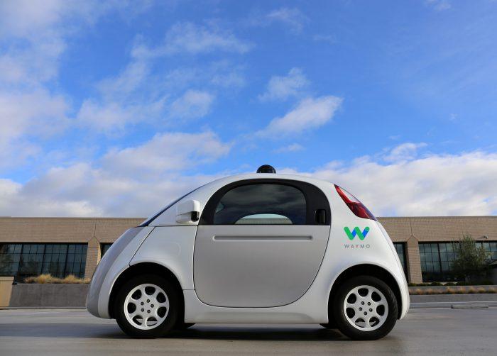 Waymon jo aiemmin Googlen autoprojektin alla esitelty itseajavan auton testimalli.