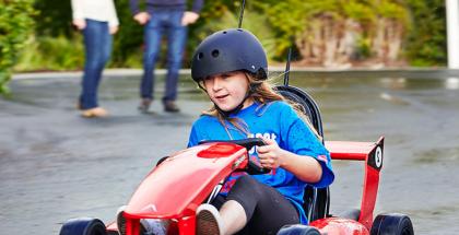 Sähköinen Actev Arrow -karting-auto lapsille.