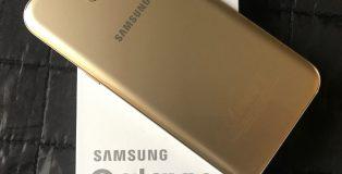 Galaxy A5 -nimi on ennallaan, mutta vuosimalli on vaihtunut 2017-aikaan.