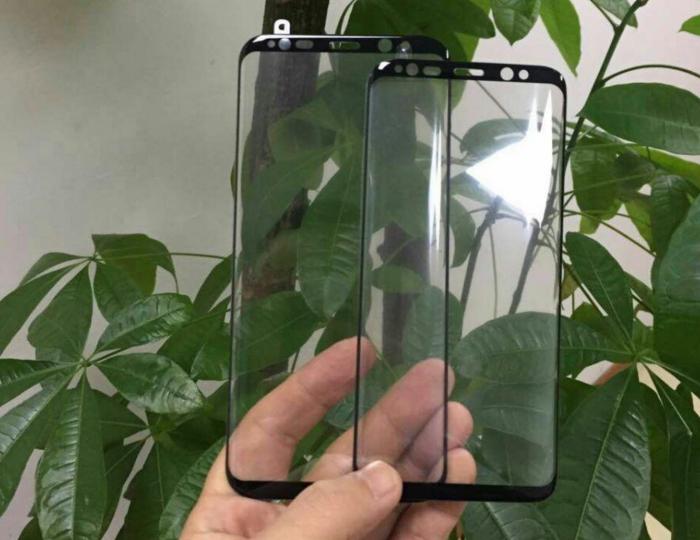 Galaxy S8 -puhelinten väitetyt etupaneelit, ilmeisesti oikeasti suojalasit.