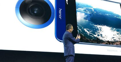 Honor-johtaja Ming Zhao esitteli Honor VR -kameraa Kiinassa.