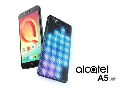 Alcatel-puhelinten uusimpia on erikoisella LED-takakuorella varustettu malli.