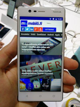 Jopa edullisin Nokia 3 tuntuu erittäin laadukkaalta.