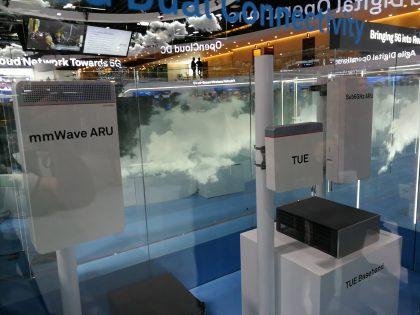 5G-verkko vaatii uusien radioyksiköiden asennusta tukiasemille. Verkkoyhtiöt odottavat jo kieli pitkänä markkinoiden käynnistymistä.