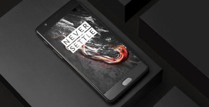 OnePlussan nykyinen OnePlus 3T Midnight Black -värinä.