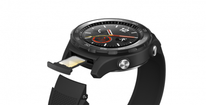 SIM-korttipaikka Huawei Watch 2.0:ssa.