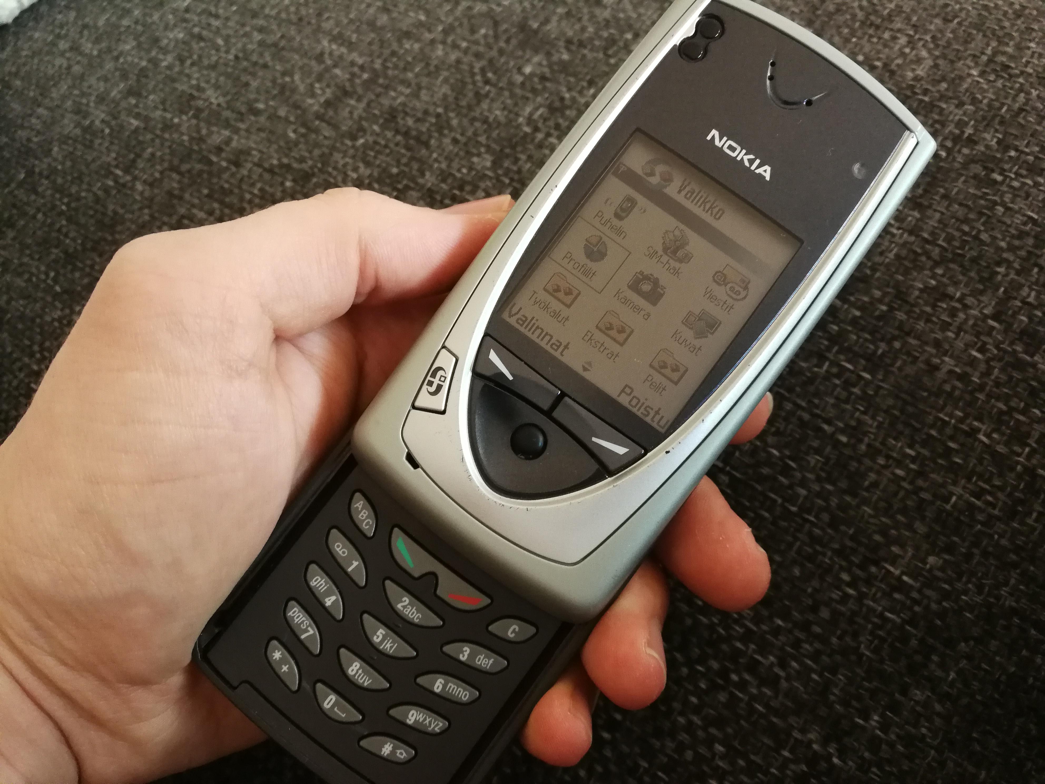 Kameravertailussa uusi Nokia 3310 vs. Nokian ensimmäinen kamerapuhelin ikinä – katso kuvat ...