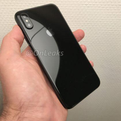 Tuleva iPhone on takaa lasia ja kamerat on järjestelty uudella tavalla. Aiemmin julkaistu kuva kertoo tämän hetken yleiskäsityksen tulevan iPhonen muodoista.