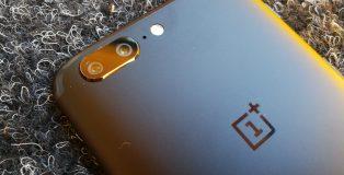 OnePlus 5 tuo kaksoiskameran.