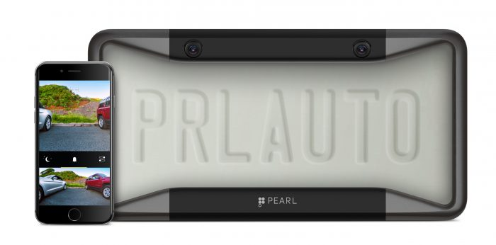 Pearl Auton ensimmäinen tuote oli rekisterikilven pidikkeeseen integroitu peruutuskamera.
