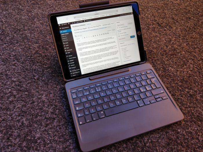 Kokeilussa on ollut iPad Pron kanssa myös Logitechin Slim Combo -kotelo ja irroitettava näppäimistö. Logitechin uutuudesta on luvassa erillinen artikkeli myöhemmin lähiaikoina.
