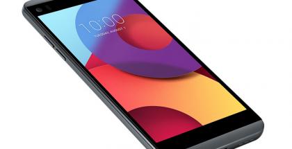 LG Q8 sisältää lisänäytön päänäyttönsä yläpuolella.