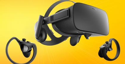 Oculus Rift ja Touch-ohjaimet.
