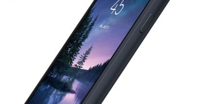 Samsung Galaxy S8 Active. Evan Blassin vuotama kuva.