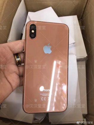 iPhone kultakuparivärissä.