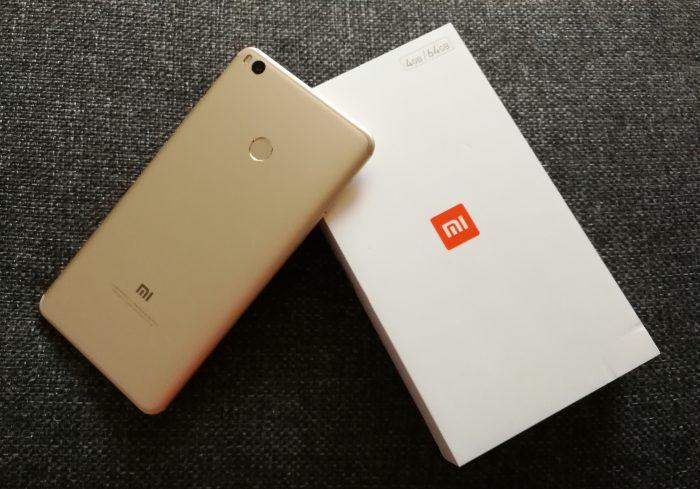 Xiaomi Mi Max 2 on tarjolla mustana sekä kultaisena värivaihtoehtona.