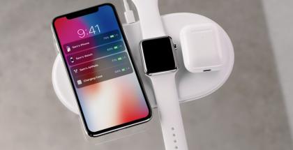 Applen AirPower-latausalustan esiteltiin lataavan niin iPhonea, Apple Watchia kuin myös AirPods-koteloa - tarvittaessa myös samanaikaisesti.