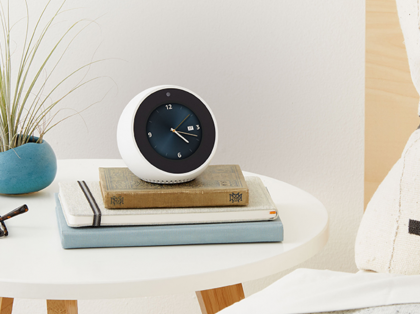 Uusi Amazon Echo Spot.