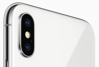 iPhone X:n kaksoiskamera.