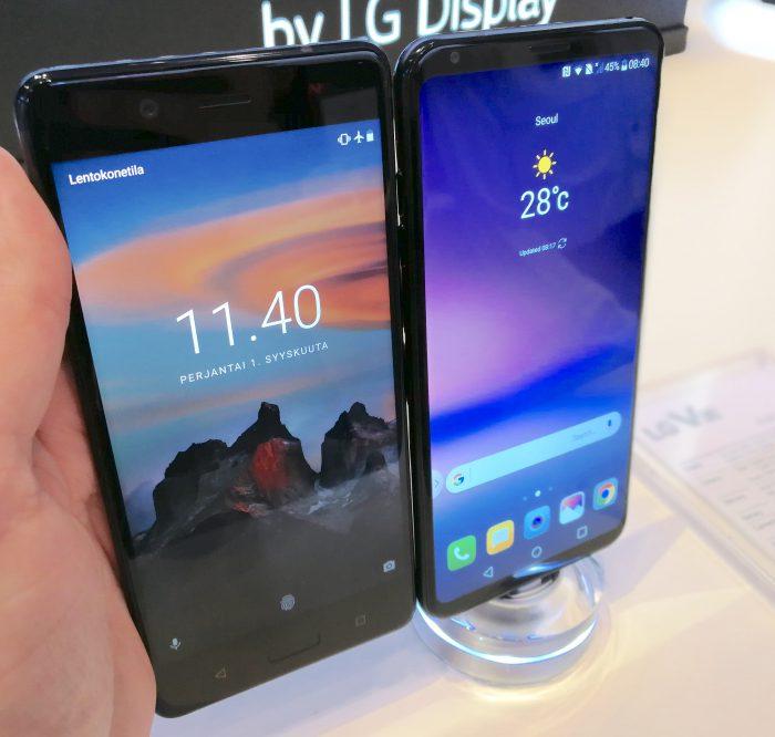V30:ssa on selvästi suurempi näyttö, vaikka itse puhelin on samankokoinen Nokia 8:n kanssa.