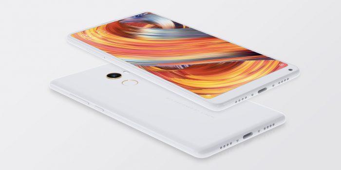Valkoinen, täyskeraaminen Xiaomi Mi MIX 2 -erikoisversio.
