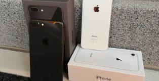 Tähtiharmaa iPhone 8 Plus ja hopea iPhone 8.