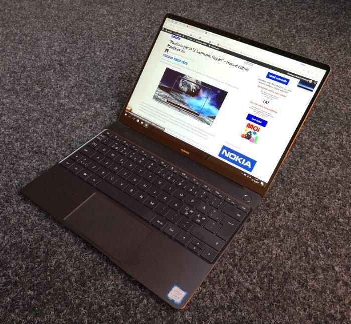 MateBook X:n näytönreunukset ovat pienet, sivuilla vain 4,4 millimetriä.