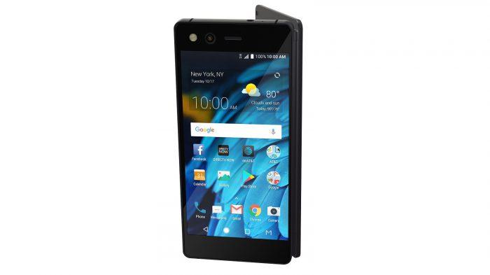 ZTE Axon M sisältää kaksi näyttöä. Puhelin taittuu kiinni lähes tavallisen kosketusnäyttöisen älypuhelimen näköiseksi.