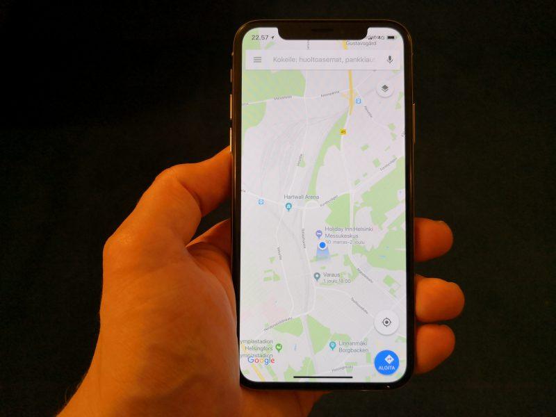 Google Maps päivittyi tukemaan koko näyttöä iPhone X:ssä.