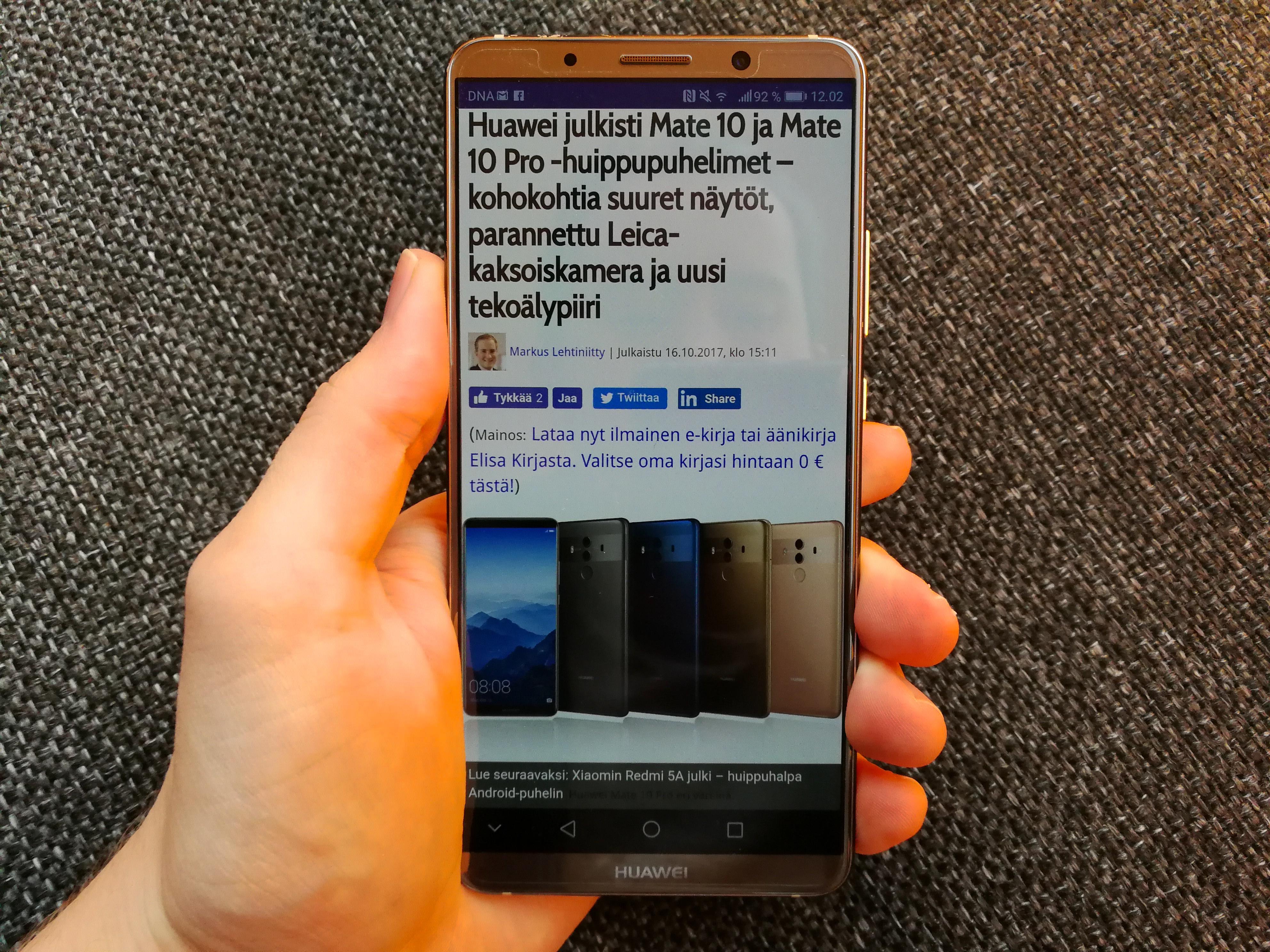 Huawei Mate 10 Prossa on 18:9-kuvasuhteen näyttö. 16:9-näytöllä varustettu Mate 10 ei tule myyntiin Suomessa.