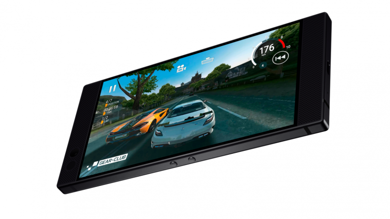 Razer Phonessa on eteenpäin suunnatut stereokaiuttimet ja 5,72 tuuman IGZO LCD -näyttö.