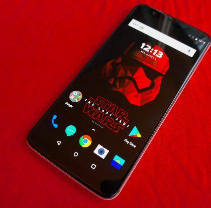 Pikatesti: OnePlus 5T:n Star Wars -erikoisversio tuo mukanaan useita ekstroja – käyttökokemuksessakin yksi merkittävä ero perusmallista