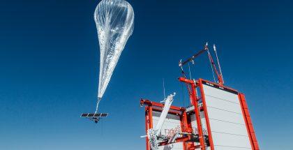 Project Loon -pallo nostaa mobiilitukiaseman taivaalle.