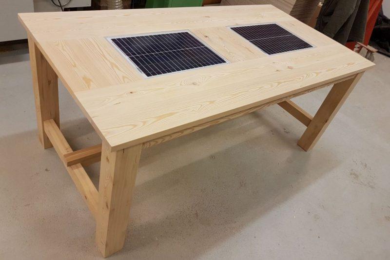 ReSolar Table -aurinkopöytä.