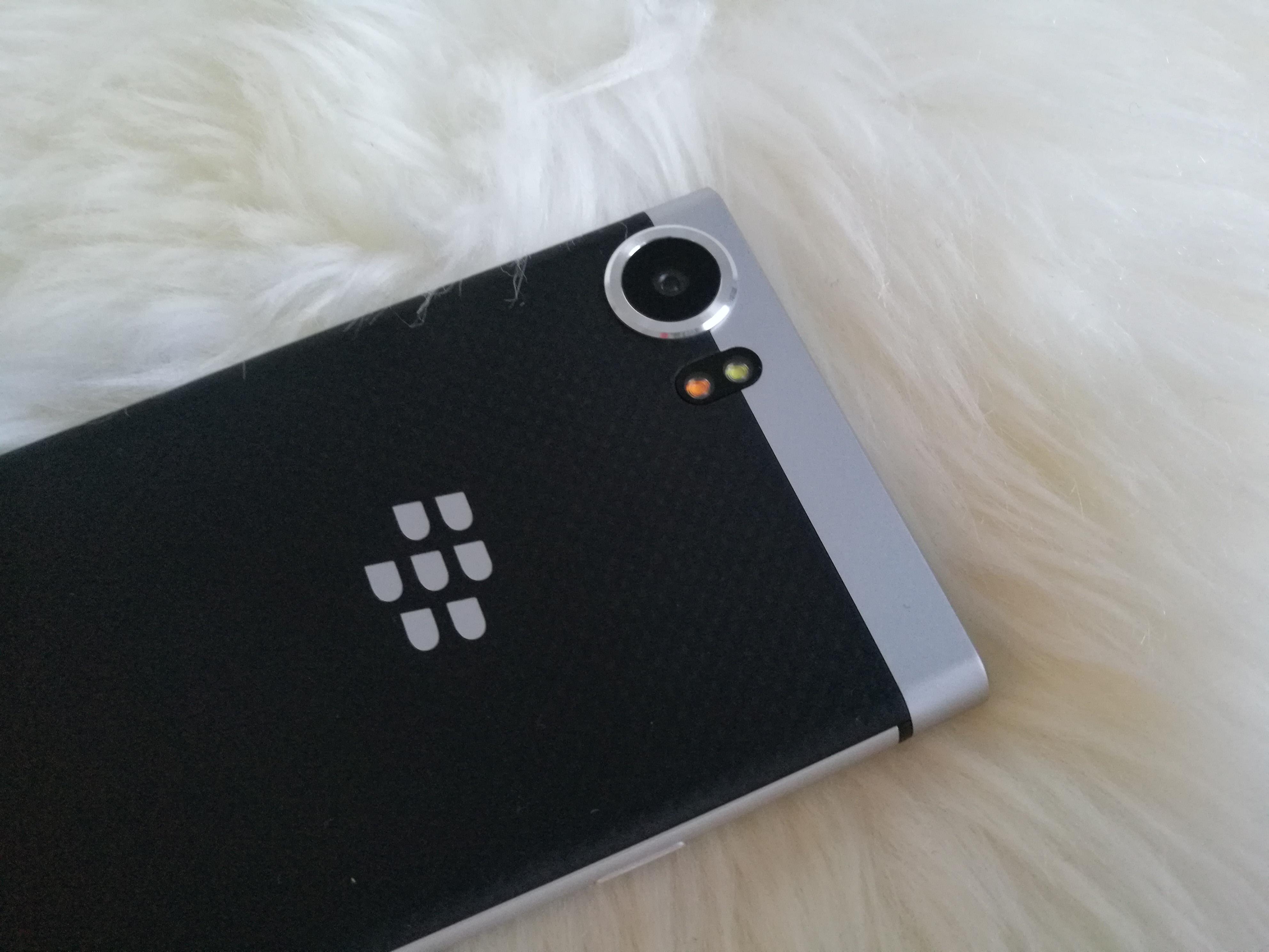 dating sovelluksia BlackBerrynopeus dating Chicago yli 50