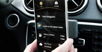Carrio-sovellus tarjoaa myös hyödyllisiä tietoja, sisältöjä sekä mahdollistaa eri toimintojen käytön ajon aikana tavallista turvallisemmin.