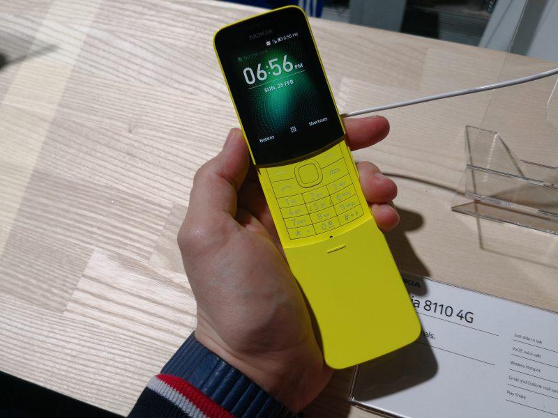 Nokia 8810 4G palauttaa liukukannen ja tutun kaarevan muodon.